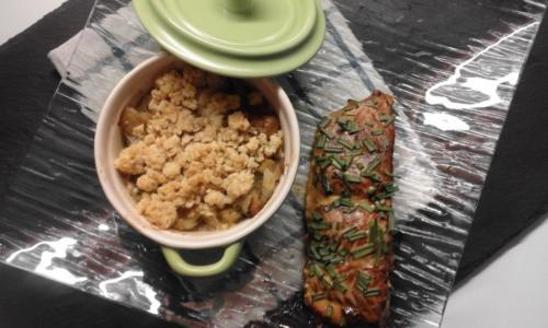 saumon marinée sauce chicorée sirop d'érable,crumble d'endives