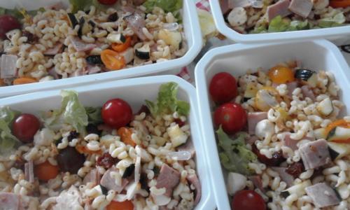 salade de pâtes charcutière(jambon,tomate,courgette,gruyère)