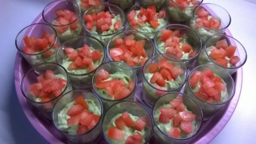verrines avocats tomates(buffet apéro et dînatoire)